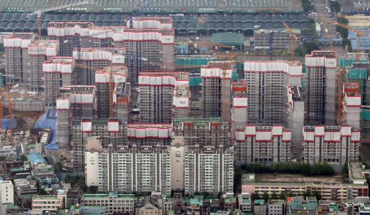 서울은 '뛰고'지방 '떨어지고'… 부동산시장 양극화